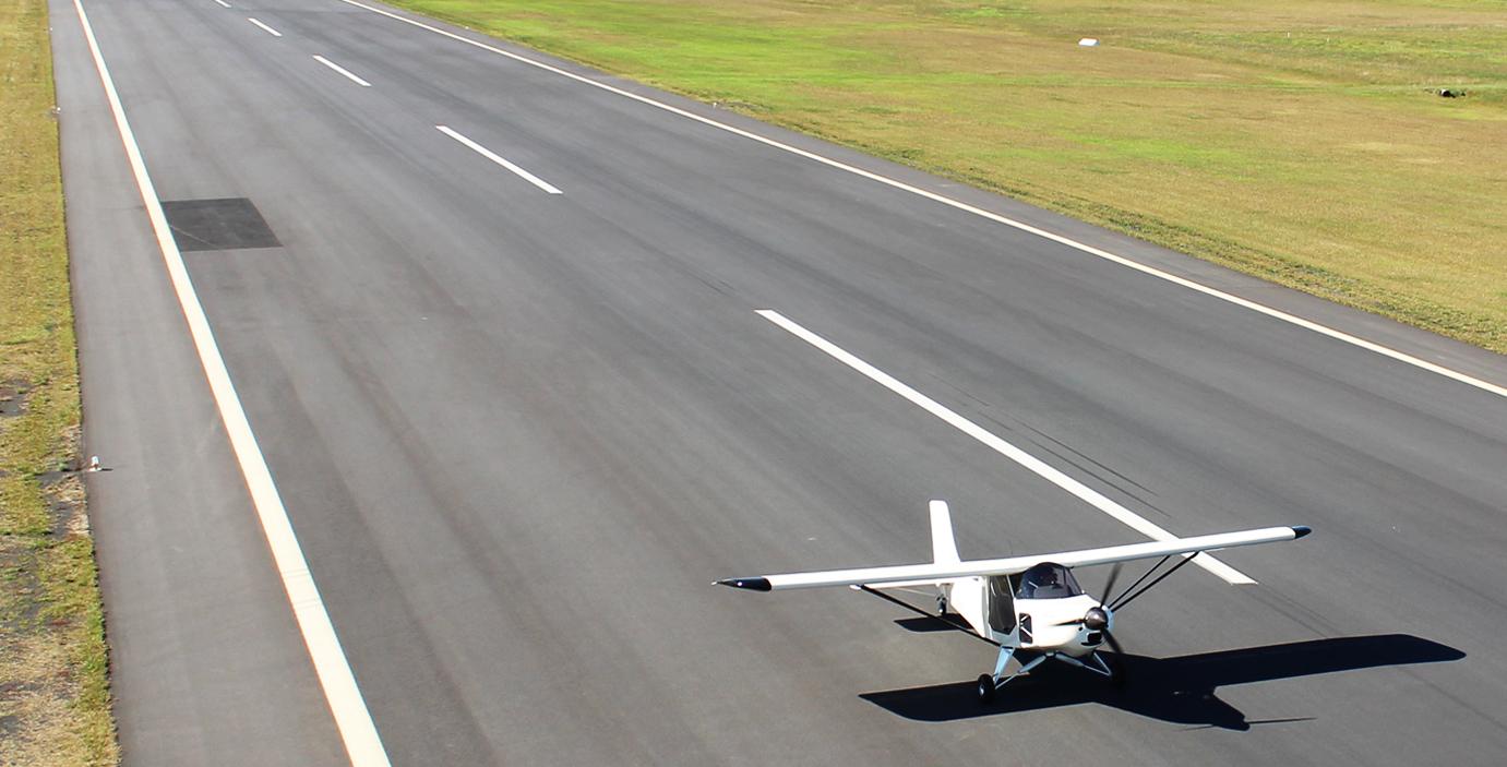 GR LSA 912 Landing on Airstrip